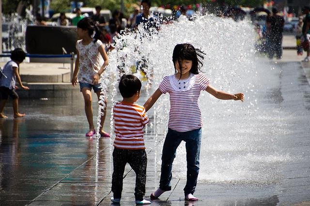La proposition gouvernementale a pour ambition d'assurer un avenir radieux aux enfants